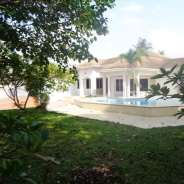 4 bedroom swimming pool house for rent in East Leg