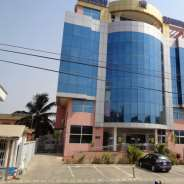 For rent: Executive office building to let at Osu,
