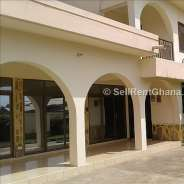 6 Bedroom House, 2 BQ for Rent in Sakumono