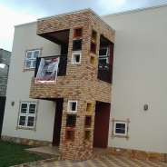 4 bedroom house with inbuilt solar power system fo