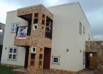 4 bedroom plus fitted solar system units for sale