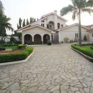 Executive 6 bedroom house in North Legon for rent