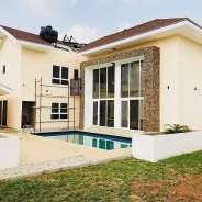4bedroom with 1bdq for sale at lakeside