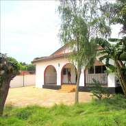 3 bedroom house with 1 staff quarters ,renting