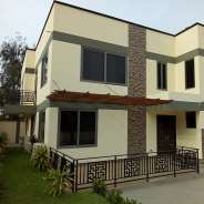 5Bedrooms House For Rent at Tesano