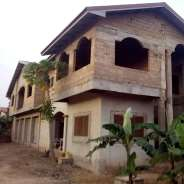 8Bedrms House for sale at Achimota