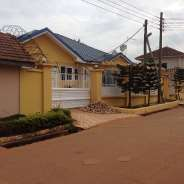 5bedrooms House for sale at Spintex