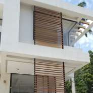 4 Bedroom Townhouses for Sale.