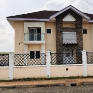 4 bedroom excutive house for sale