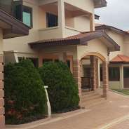 4 Bedroom Townhouse w/ Pool to let in Cantonments