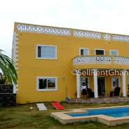 5 Bedroom House with Swimming Pool, Airport Hills