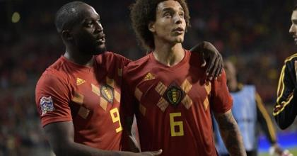 Actually they are friends, but today opponents: Romelu Lukaku (L.) and Axel Witsel (R.)