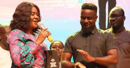 Sarkodie's Heavy Tongue Earns Him An Ambassadorial Deal