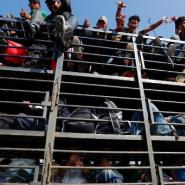 Central American migrants on a truck: The first asylum seekers have now reached the US border.
