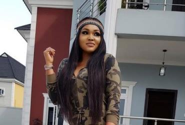 Actress, Mercy Aigbe Show's off Fresh Cleavages after 2 Children