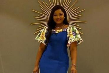 Actress, Omotola Jalade Looking Pretty in her Outfit
