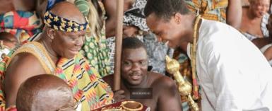 PHOTOS: Isaac Dogboe Visits Otumfuo At Manhyia