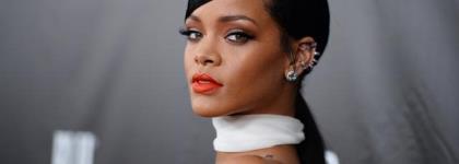 Rihanna Sues Father Over Trademark Dispute