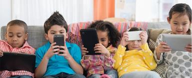 5 Tips To  Introducing Your Kids To Social Media