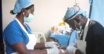 Doctor Linda Ayade Performs Surgeries On Sick Patients