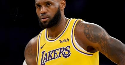 Lebron James sued $150,000 for posting his own picture on Facebook