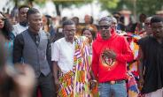 Shatta Wale And Stonebwoy Make Peace At Manhyia Palace