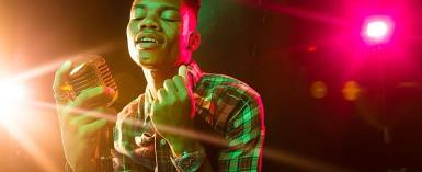 I Am Attracted To Older Women - Kidi