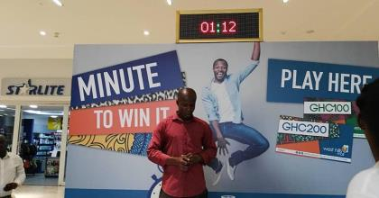 West Hills Mall Goes Crazy With 'Shoppertainment' As 'Minutes To Win It' Games Kick off