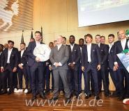 PHOTOS: Ghanaian midfielder Ebenezer Ofori visits Stuggart Mayor with teammates