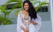 Actress, Rechael Okonkwo looking Stunning in Well Embellished Gown