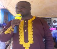 Berekum West District DCE, Mr. Isaac Osei addressing the Chiefs on his familiarization tour at Jinijini