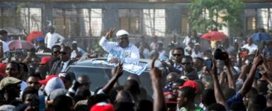 UDPS opposition party leader Felix Tshisekedi gestures to supporters as he arrives to address a rally in Kinshasa on April 24, 2018, the first opposition rally authorized since September 2016.  By Junior D. KANNAH (AFP)