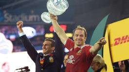 Alun Wyn Jones (R) and Sam Warburton led the Lions to a Test series victory over Australia in 2013.  By WILLIAM WEST (AFP/File)