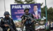 Cameroonian forces on patrol in Buea, capital of Cameroon's majority anglophone South West province..  By MARCO LONGARI (AFP/File)