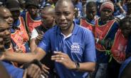 Democratic Alliance leader Mmusi Maima kicks off an 'ambitious' election campaign.  By MARCO LONGARI (AFP)