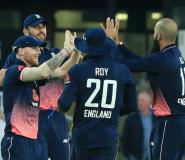 England's Liam Plunkett (2L) celebrates with teammates during their first One-Day International against South Africa at Headingley in Leeds on May 24, 2017.  By Lindsey Parnaby (AFP)