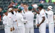 Morne Morkel battled through injury to help South Africa push for victory against Australia in his final Test match.  By GIANLUIGI GUERCIA (AFP)