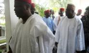 Support for Nigeria's politician Rabiu Kwankwaso, seen here in 2012 when he was Kano state governor, may have gotten popular R&B singer Sadiq Zazzabi into hot water with the state censorship board.  By AMINU ABUBAKAR (AFP/File)