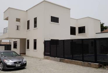 4 Bedroom House to let in Labone