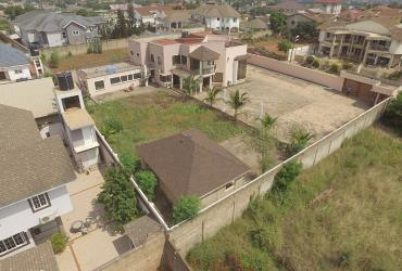 4 bedroom house on 4 plots for sale,East legon