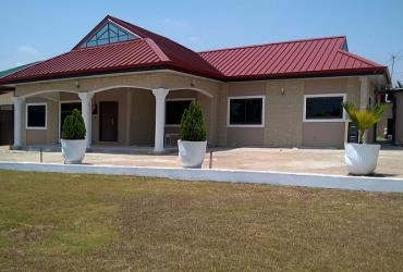 Furnished 3Bedrms House For Rent at Tema Com3