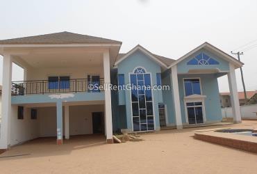 5 Bedroom House for Sale, Adjiriganor