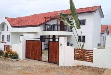 4 bedroom semi-detached townhouse for rent in Cant