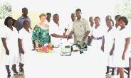 GHANAIAN-CANADIAN NURSES ASSOCIATION OF ONTARIO– DONATES EQUIPMENT TO ANOTHER GHANAIAN HOSPITAL.