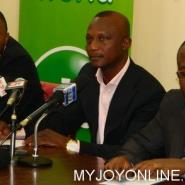 Kwesi Appiah flanked by Saani Diarra and Kwesi Nyantekyi